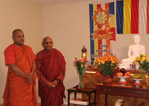 Bhante Punnaji (left) and Bhante Nanda (right)